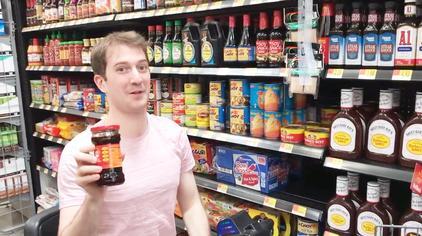 美国胖子生活有多幸福?外国人带你去超市买老干妈体验一下