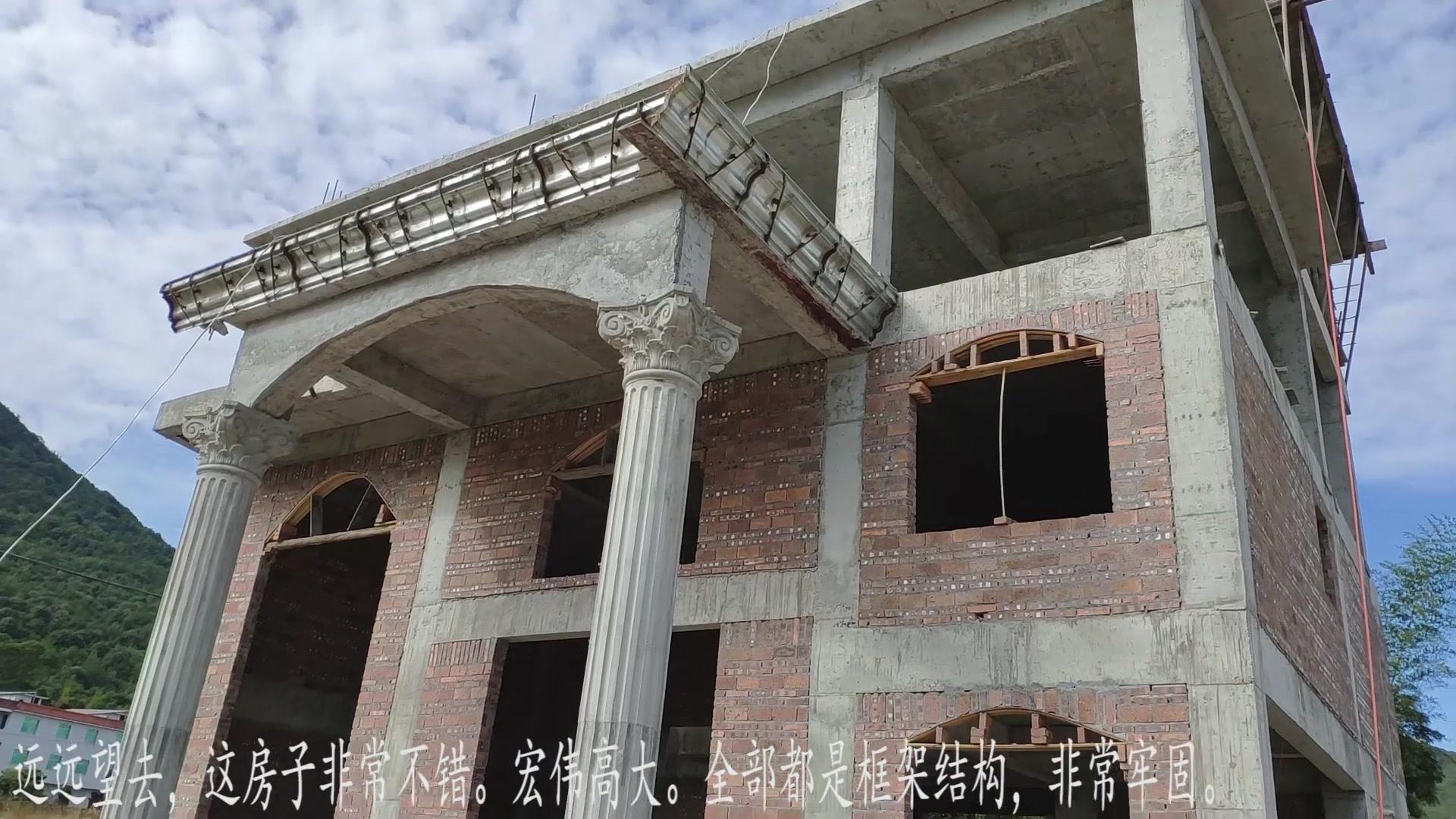农民朋友建别墅,还没完工 就显得磅礴气派 城里人:真舍得投资啊