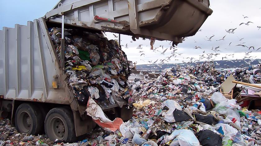 """中国""""洋垃圾""""禁令让美国抓狂,刚实施三个月垃圾就堆成山!"""