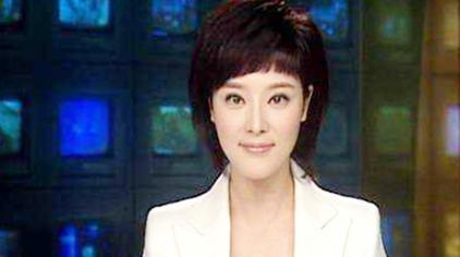 央视最美女主播,嫁著名导演,如今35岁生活幸福美满