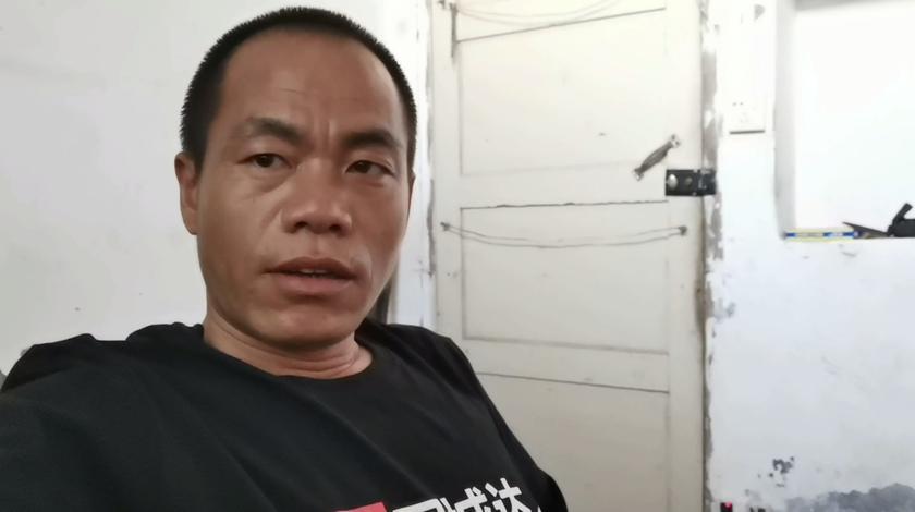 打算建一个越南款式的楼房,建两米宽三层,请问十万块够吗?