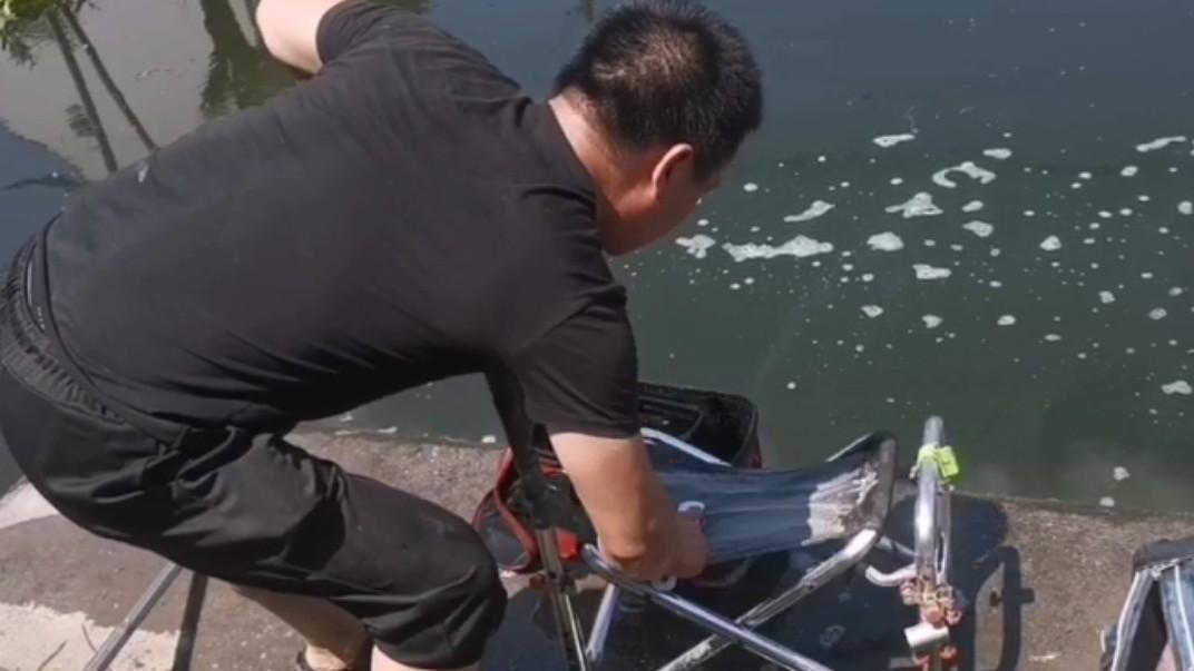 为什么钓鱼的男人清洗渔具时要比洗衣服的时候要用心仔细的多呢?