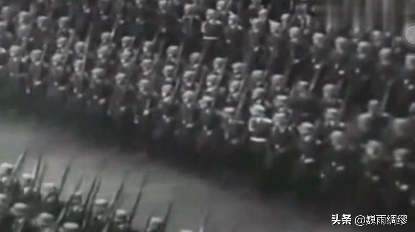80多年前,就是这支军队,横扫欧洲,最后被猪队友拖累败给了冬天