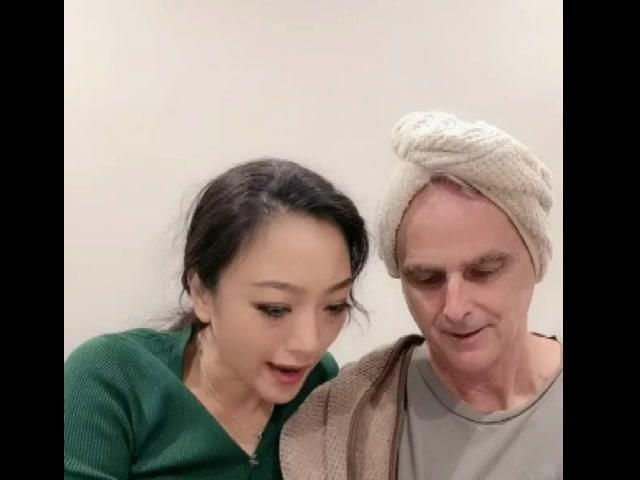杨姐说四月要回国带着老外,老外最爱吃麻豆腐