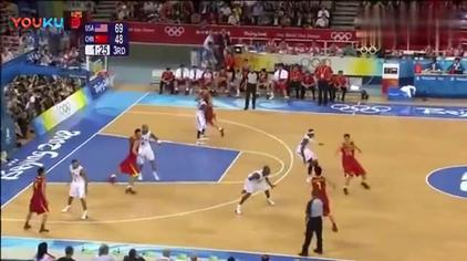 难得一见, 杜锋和李楠同时在场打篮球, 杜指导冲劲很足