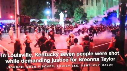黑人致死引发骚乱,席卷美国全境,40城宵禁15城及特区启动国民警卫队